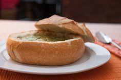Creme de legumes dentro do pão italiano. Gostou?
