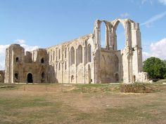 Ruine Abbaye - Maillezais, Pays-de-la-Loire Saumur, Europe, Abandoned Places, Barcelona Cathedral, Mount Rushmore, Mountains, Building, Travel, Atlantic Ocean