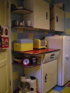 Vintage Kitchen Items And Decor On Pinterest Vintage Kitchen Pyrex