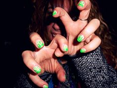 Nickolodeon slime nails!