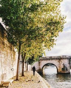 .Paris .