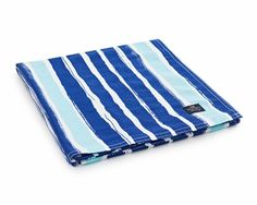 Lexington Company Printed Blue Striped Tablecloth |  | Table + Dine #lexingtoncompany #summer #eastcoast #tablescapes