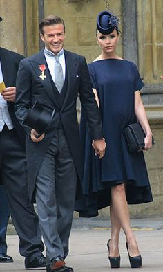David and Victoria Beckham. Victoria Beckham wears a dress from her fall 2011 collection paired with a Philip Treacy fascinator and custom Christian Louboutins. David Beckham sported a Ralph Lauren suit and a Philip Treacy top hat. David E Victoria Beckham, Style Victoria Beckham, Victoria And David, Victoria Beckham Wedding, Spice Girls, Vic Beckham, Looks Kate Middleton, Morning Coat, Morning Dress