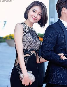 glorious MC Sooyoung at the 2015 Korea Drama Awards Red Carpet #omggg she looks SO GOOD#her figure wow#sooyoung#choi sooyoung#snsd#s3edit