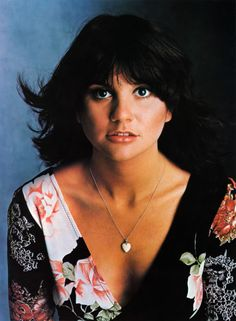 The lintalented Linda Ronstadt turns 68 today! She was born 7-15 in 1946. We wish her well as she battles progressive Parkinson's.