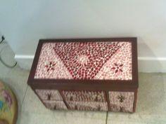 Joyero de madera forrado de tesselas acrylicas