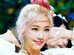 kim taeyeon, party, snsd, taeyeon