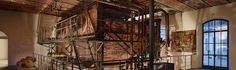 MUSEO DEL TESSUTO - CALDAIA Dalla sala delle volte si accede all'antico vano caldaia, all'interno del quale si apprezza il restauro della vecchia caldaia vapore della fabbrica, utilizzata sia per la produzione di energia per il movimento dei macchinari che di vapore acqueo da utilizzarsi nelle fasi di finissaggio dei tessuti.