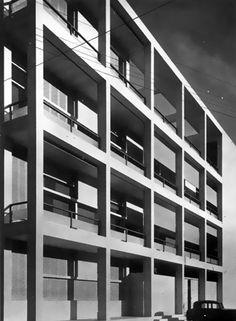 casa del fascio.Giuseppe Terragni Bauhaus, Rationalism, Art Deco, Northern Italy, Facade Architecture, Le Corbusier, Lake Como, Modern Classic, Home Art