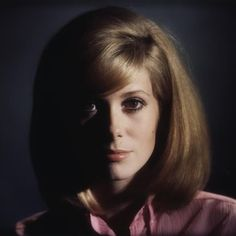 Catherine Deneuve © Sam Lévin. Love her hair!