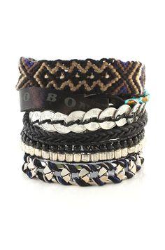 Bracelet Hipanema Brasilia Diy Jewelry, Handmade Jewelry, Jewlery, Looks Style, My Style, Bracelet Crafts, Ring Necklace, Handmade Bracelets, Bracelet Making