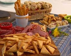 Imperdible festival de galletitas de queso Appetizer Recipes, Appetizers, Bread Machine Recipes, Snack, My Recipes, Catering, Dairy, Cheese, Cookies