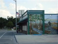 Murals like this are on many of the buildings in downtown Wauchula, Florida.