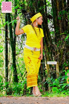 Buy Garo/A·chik traditional dresses and ornaments online: Dakmanda, Sengki, Natapsi, Kotip. Northeast India, India Art, Ethnic Outfits, Unique Photo, Indian Ethnic, Traditional Dresses, Girl Photos, Dresses Online, Photo Art