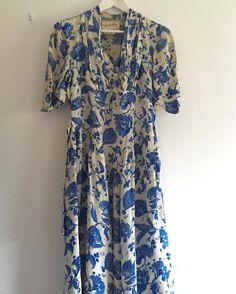 New product blue floralJacqmar vintage dress  11/1213 #浅草ライヲン百貨店 2日間だけのポップアップストアおすすめです私は行けませんが@uraniwa_antiquesや@booppoopadoop など素敵なお店おいしいものがたくさんです#fab.#vintage #vintagefashion #1940s #jacqmar #ヴィンテージ #ビンテージ#ヴィンテージワンピース #ヴィンテージドレス #古着 #ボタニカル