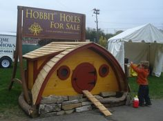 Hobbit Hole Tiny Homes for Your Backyard