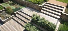 Aménager une allée de jardin en pente - quelles sont les solutions possibles ?