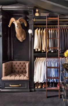 Explore the best of luxury closet design in a selection curated by Boca do Lobo to inspire interior designers looking to finish their projects. Discover unique walk-in closet setups by the best furniture makers out there Diy Walk In Closet, Men Closet, Master Closet, Closet Bedroom, Walking Closet, Bedroom Decor, Black Wardrobe Closet, Small Walk In Wardrobe, Closet Paint