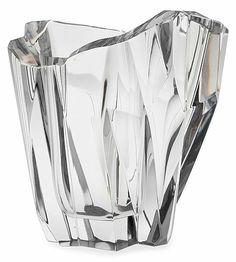 TAPIO WIRKKALA, A VASE, 3525, 3825 Iceberg Iceberg. Signed Tapio Wirkkala Iittala -55. Cut, mold-blown crystal. Height 21,5 cm.
