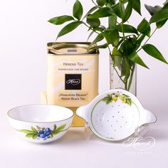 Tea Strainer and Cup – Berried Fruits - Herend Fine china