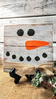 Boutique Daily Deals on artisan crafts, handmade items, unique gifts, and deals on your favorite online boutique shops. Wooden Snowman Crafts, Pallet Snowman, Christmas Wood Crafts, Barn Wood Crafts, Pallet Christmas, Pallet Crafts, Rustic Christmas, Christmas Art, Christmas Projects