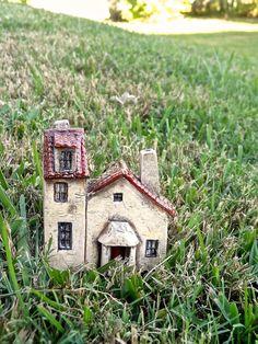 Miniature house - OOAK ceramic porcelain 1:144th inch scale sculpture
