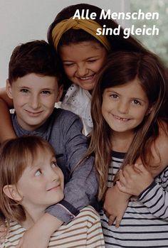 Eigentlich eine Grundvoraussetzung und dennoch alles andere als gelebte Realität. Nur die Kinder – für die ist das klar. Damit es so bleibt, bestärken wir sie kontinuierlich in dieser wundervollen Sichtweise. Couple Photos, Couples, 15 Years, Magazines, Life, Kids, Couple Shots, Couple Photography, Couple