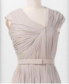 Dress bodice with structured pleats - vintage couture; fashion design detail; fabric manipulation // Madame Gres