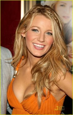 And why Blake Lively net worth is so massive? Blake Lively net worth is definitely at the very top level among other celebrities, yet why? Blake Lively Height, Blake Lively Moda, Blake Lively Style, Blake Lively Hair Color, Blake Lively Makeup, Black Lively, Light Spring, Clear Spring, Celebrity Makeup