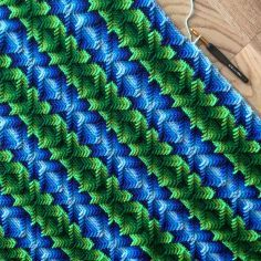 """The """"Nomad by Fate"""" triangle wrap / shawl - Free Crochet Pattern . – Martin Up North"""