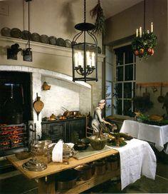 Georgian kitchen at Fairfax House in York Georgian Interiors, Georgian Homes, Victorian Homes, Victorian Design, Georgian Kitchen, Victorian Kitchen, Miniature Rooms, Miniature Kitchen, Old Kitchen