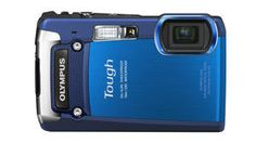 This Olympus waterproof 12 megapixel #camera shoots 1080 HD video. And it can go up to 33 feet underwater!