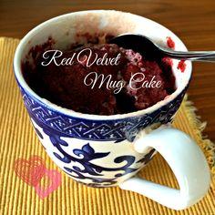 ¿Quieres un postre rapidísimo y delicioso? Prepara este fácil pastelito en microondas en sólo minutos. // This is a delicious and easy to prepare Red Velvet Mug Cake... in minutes on the microwave.