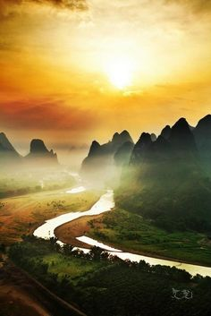Lijiang River,Guilin, China- been here. A very scenic place. I traveled with my daughter and Godson on a tour of Asia and this was one of the stops. The peaks of these mountains make every angle and day part photos so unique. Places To See, Places To Travel, Places Around The World, Around The Worlds, Beautiful World, Beautiful Places, Lijiang, Nature Photography, Travel Photography