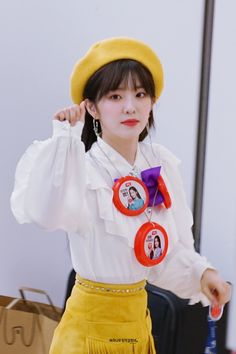 """""""irene in beret that will make you fall in love with her over and over again : a necessary thread 💗"""" South Korean Girls, Korean Girl Groups, Red Valvet, Red Berets, Neo Soul, Red Velvet Irene, Yellow Fashion, Girl Bands, Peek A Boos"""
