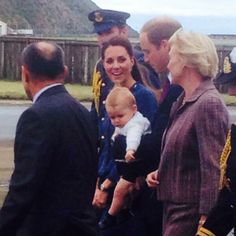 Via Womans Day NZ: Prince George, carried by his father, leaves Wellington, NZ for Sydney, Australia-  April 16th, 2014