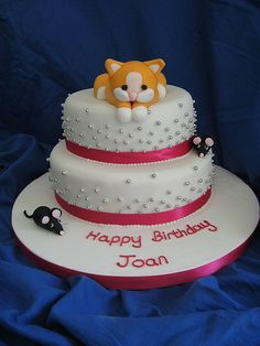 Kitten cat cake by The Perfect Handmade Cake Co, via Flickr