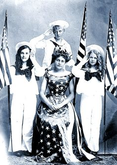 Old Picture - Patriotic Queen - 4th of July - The Graphics Fairy