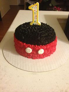 First birthday Mickey Mouse smash cake