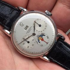 1f12563a61c Vintage Watches Collection   Very rare very exceptional. From  watchgourmet  this Compax Day Date