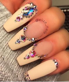 Resultado de imagem para nail art with rhinestones Sexy Nails, Hot Nails, Fancy Nails, Bling Nails, Stiletto Nails, Nails On Fleek, Hair And Nails, Bling Bling, Fabulous Nails