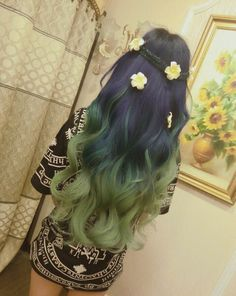 Green tips hair inspo with flower hair accessories