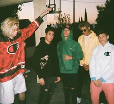 The new girl group mix5 goes on tour with boy band PRETTYMUCH wonder … #fanfiction Fanfiction #amreading #books #wattpad