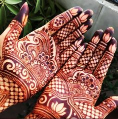 Close up from the henna when it's fully stained.  Very beautiful. By @maplemehndi  (Instagram)