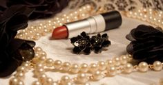 Tips for hosting a Roaring Twenties party