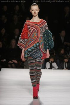 Google Image Result for http://www.knitonthenet.com/issue8/features/catwalktocaston/kenzo150-fa08b.jpg