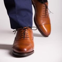 Back to the office with a fresh touch, Tan karangrain Oxford on the classy ROIS last Tan Shoes, Leather Shoes, Oxford Shoes, Dress Shoes, Flat Abs Workout, Goodyear Welt, Clearance Shoes, Classic Collection, Womens Flats