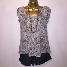 J. Crew Top, Size XS Like new, no imperfections, 100% cotton. J. Crew Tops Blouses