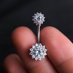 [ Materials ] - Surgical stainless steel - Zircon [ Measurement ] - Gauge: 14 G (1.6 mm) - Bar length: 10mm - Small stone diameter: 7mm - Big stone diameter: 11mm