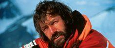 Hans Kammerlander (1956 - ...) Escaló 13 de los 14 ochomiles. En 2001 anunció no escalar el Manaslu y completar sus 14 ochomiles por perder varios amigos en el intento de subir la montaña. Fue frecuente compañero de Messner y descendió por 1ª vez en skies el Nanga Parbat.